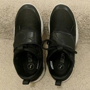 Puna training shoes